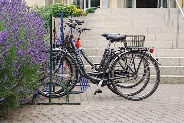 In Rostock und Warnemünde können Sie bequem und einfach Fahrräder ausleihen.