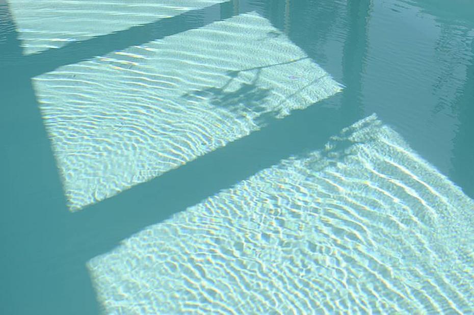 Blick in unser Schwimmbad im Hotel Godewind in Markgrafenheide nahe Warnemünde.
