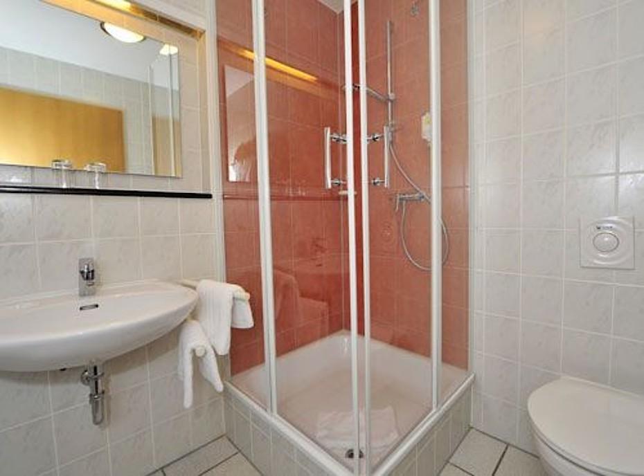 Das Badezimmer unserer 2-Zimmer Ferienwohnung.