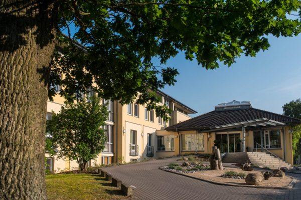 Blick auf das Hotel Godewind in Markgrafenheide / Die Godewind Hotels in Markgrafenheide